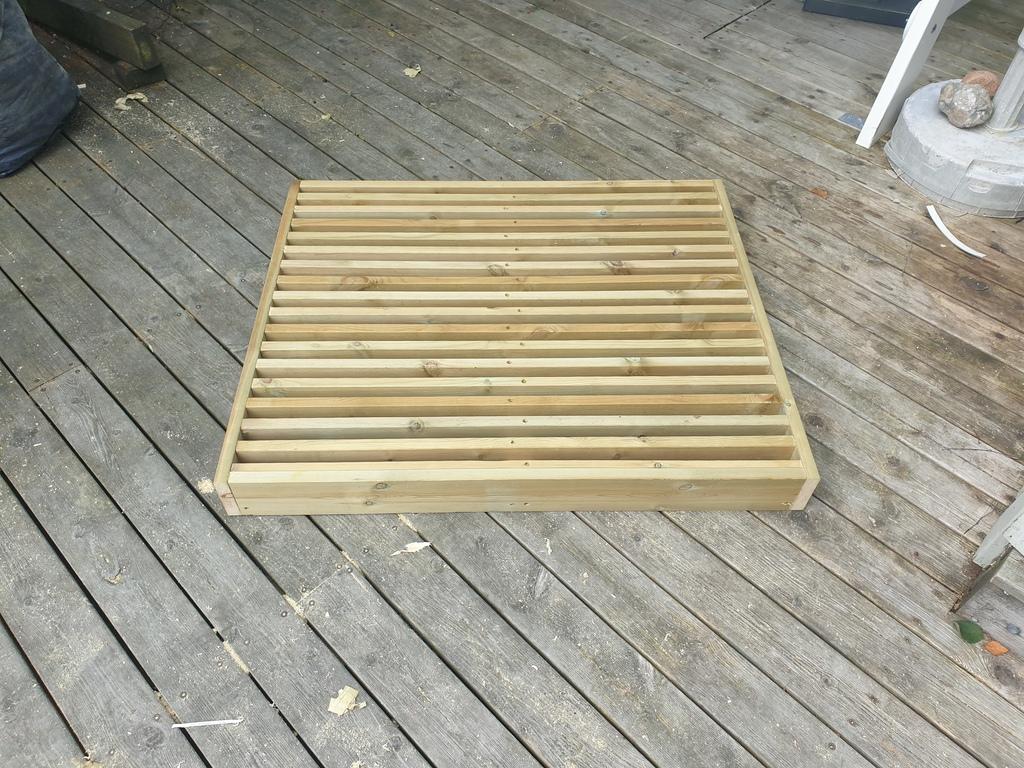 [Image: Wooden-landing-for-front-door10-1024x768.jpg]